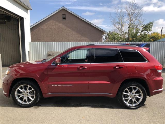 2015 Jeep Grand Cherokee Summit (Stk: 13690) in Fort Macleod - Image 2 of 25