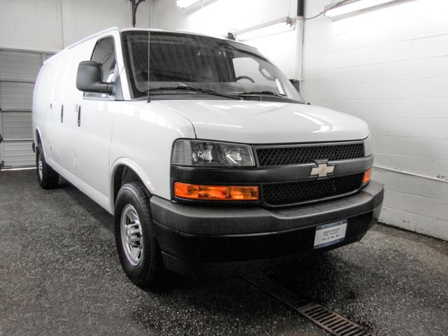 2018 Chevrolet Express 2500 Work Van (Stk: P9-55990) in Burnaby - Image 2 of 24