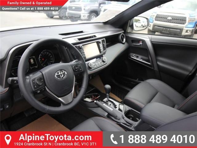 2018 Toyota RAV4 Hybrid SE (Stk: D241830) in Cranbrook - Image 9 of 19