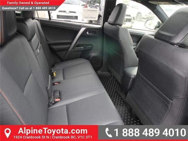 2018 Toyota RAV4 Hybrid SE (Stk: D241830) in Cranbrook - Image 12 of 19