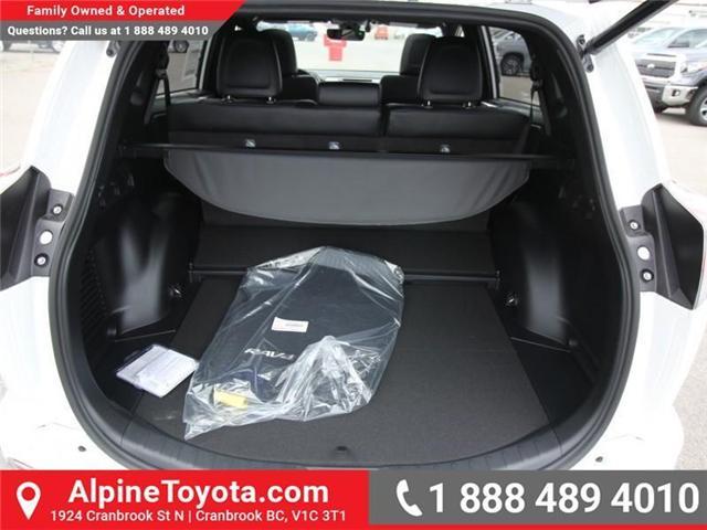 2018 Toyota RAV4 Hybrid SE (Stk: D241830) in Cranbrook - Image 17 of 19