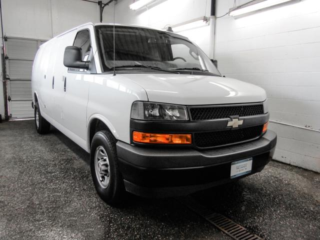 2018 Chevrolet Express 2500 Work Van (Stk: P9-55970) in Burnaby - Image 2 of 23