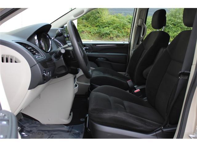 2015 Dodge Grand Caravan SE/SXT (Stk: T215598A) in Courtenay - Image 5 of 28