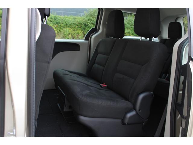 2015 Dodge Grand Caravan SE/SXT (Stk: T215598A) in Courtenay - Image 6 of 28