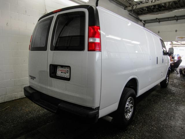 2018 Chevrolet Express 2500 Work Van (Stk: P9-55960) in Burnaby - Image 2 of 22
