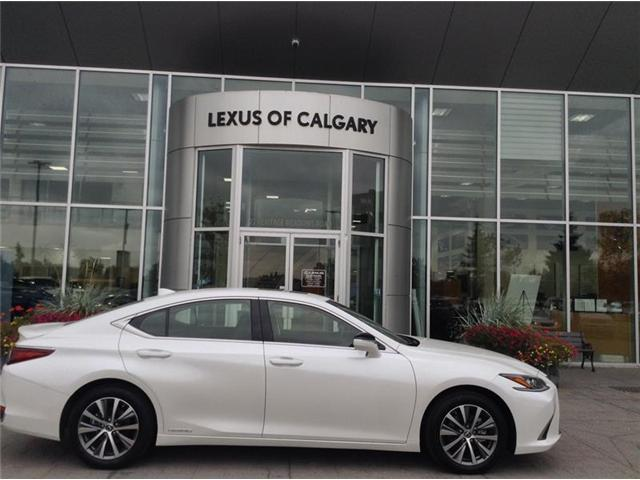 2019 Lexus ES 300h Base (Stk: 190058) in Calgary - Image 1 of 10