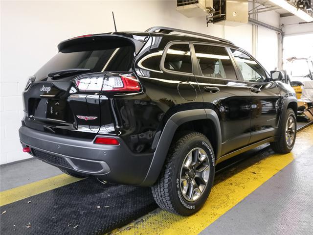 2019 Jeep Cherokee Trailhawk (Stk: K051050) in Burnaby - Image 2 of 12