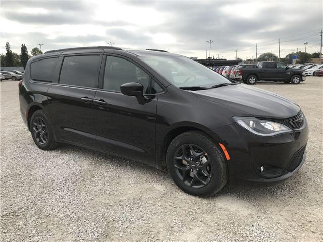2019 Chrysler Pacifica Touring-L Plus (Stk: 19227) in Windsor - Image 1 of 11