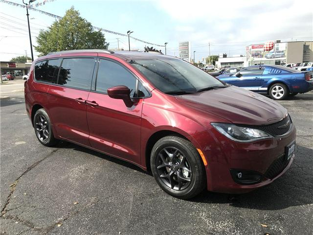 2019 Chrysler Pacifica Touring-L Plus (Stk: 19216) in Windsor - Image 1 of 11