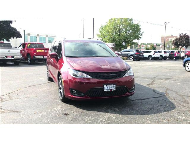2019 Chrysler Pacifica Touring-L Plus (Stk: 19216) in Windsor - Image 2 of 11