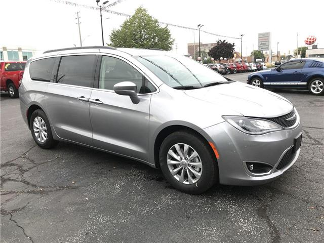 2019 Chrysler Pacifica Touring Plus (Stk: 19232) in Windsor - Image 1 of 11