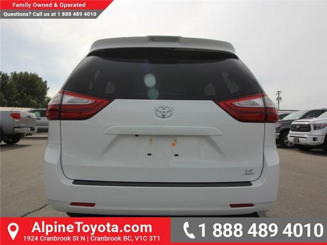 2019 Toyota Sienna LE 7-Passenger (Stk: S210913) in Cranbrook - Image 4 of 17