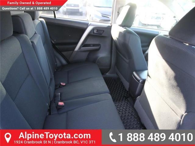 2018 Toyota RAV4 LE (Stk: W834694) in Cranbrook - Image 12 of 18
