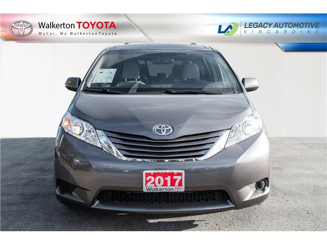 2017 Toyota Sienna LE 8 Passenger (Stk: P7073) in Walkerton - Image 2 of 18