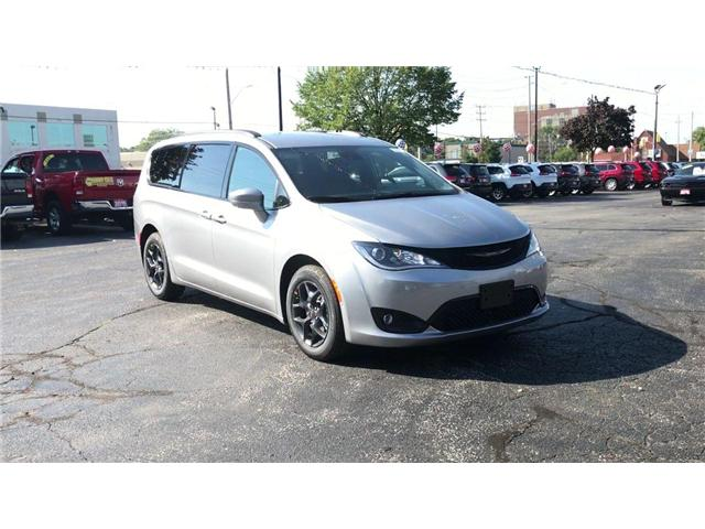 2019 Chrysler Pacifica Touring-L Plus (Stk: 19207) in Windsor - Image 2 of 11