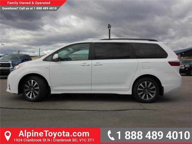 2018 Toyota Sienna LE 7-Passenger (Stk: S207024) in Cranbrook - Image 2 of 17