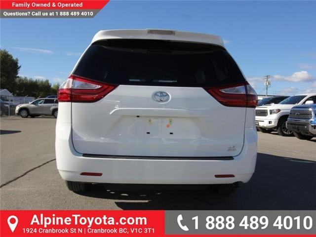 2019 Toyota Sienna LE 7-Passenger (Stk: S211224) in Cranbrook - Image 4 of 18