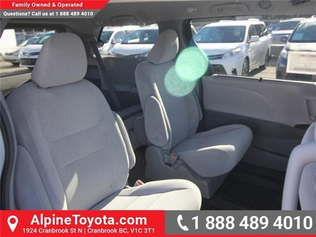 2019 Toyota Sienna LE 7-Passenger (Stk: S211224) in Cranbrook - Image 12 of 18
