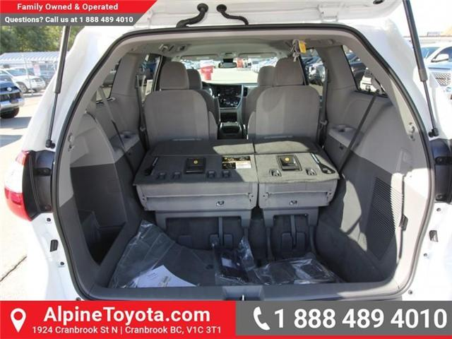 2019 Toyota Sienna LE 7-Passenger (Stk: S211224) in Cranbrook - Image 16 of 18