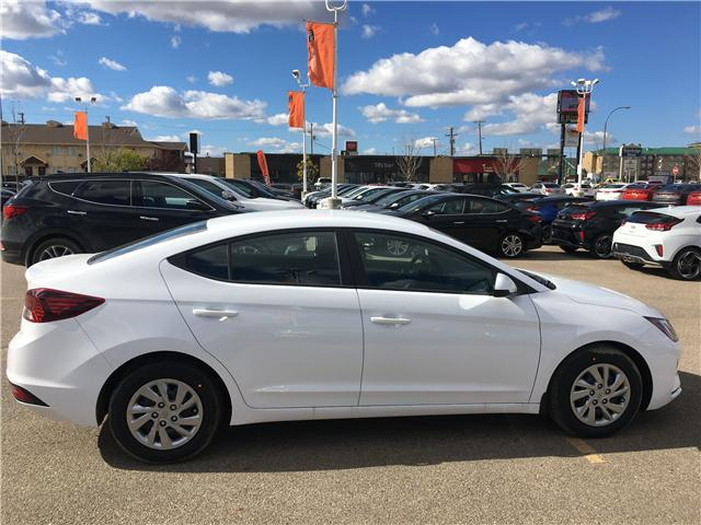 2019 Hyundai Elantra Preferred (Stk: 39047) in Saskatoon - Image 2 of 17