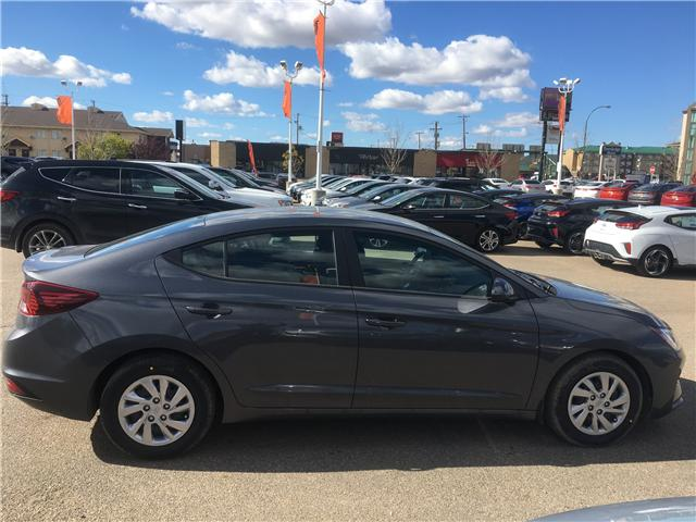 2019 Hyundai Elantra ESSENTIAL (Stk: 39054) in Saskatoon - Image 2 of 17