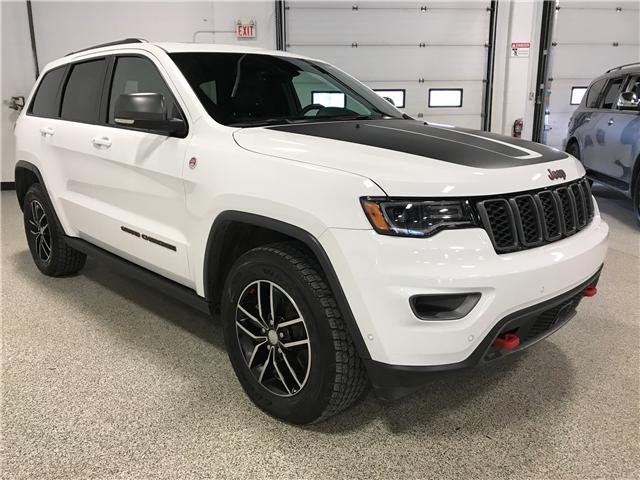 2017 Jeep Grand Cherokee Trailhawk (Stk: P11712) in Calgary - Image 2 of 11