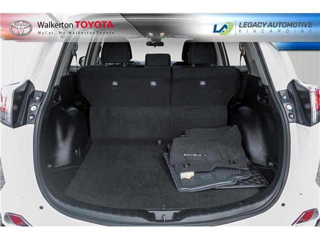 2017 Toyota RAV4 LE (Stk: P8165) in Walkerton - Image 6 of 20