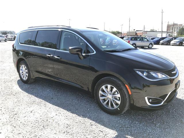 2019 Chrysler Pacifica Touring Plus (Stk: 19234) in Windsor - Image 1 of 11