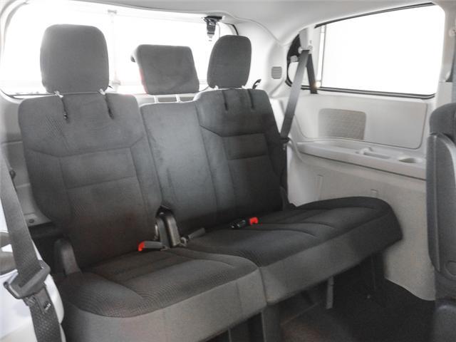 2019 Dodge Grand Caravan CVP/SXT (Stk: M094100) in Burnaby - Image 10 of 13