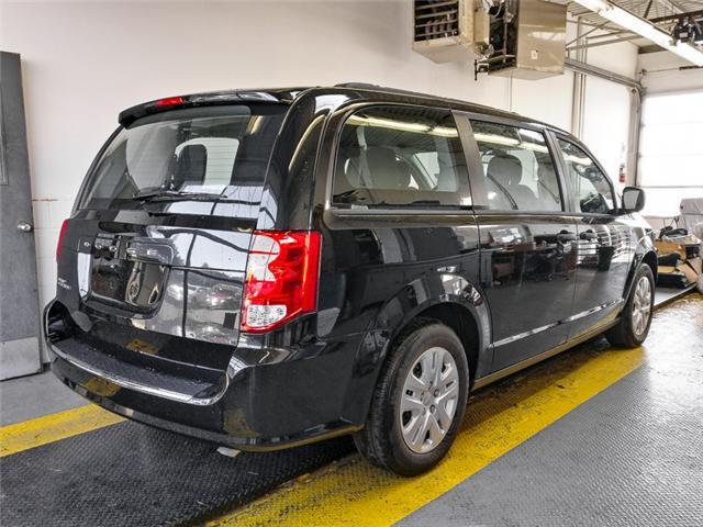 2018 Dodge Grand Caravan CVP/SXT (Stk: M498030) in Burnaby - Image 2 of 12