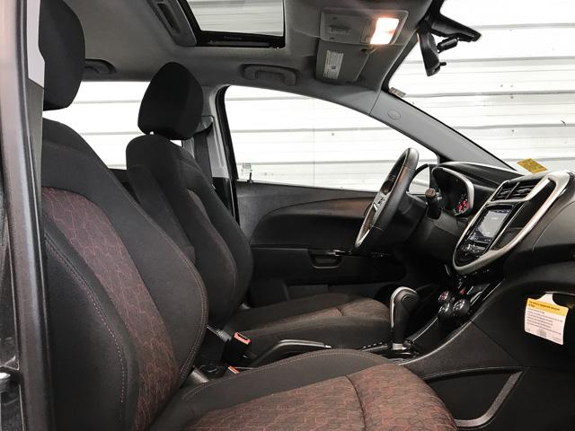 2018 Chevrolet Sonic LT Auto (Stk: 971300) in North Vancouver - Image 10 of 25