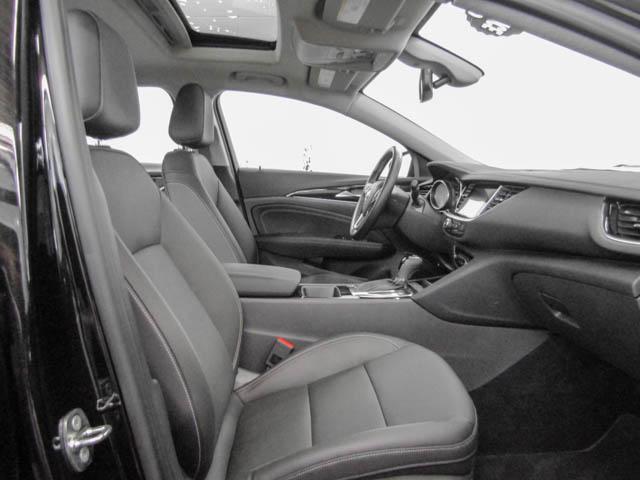 2018 Buick Regal Sportback Essence (Stk: 68-24400) in Burnaby - Image 8 of 12