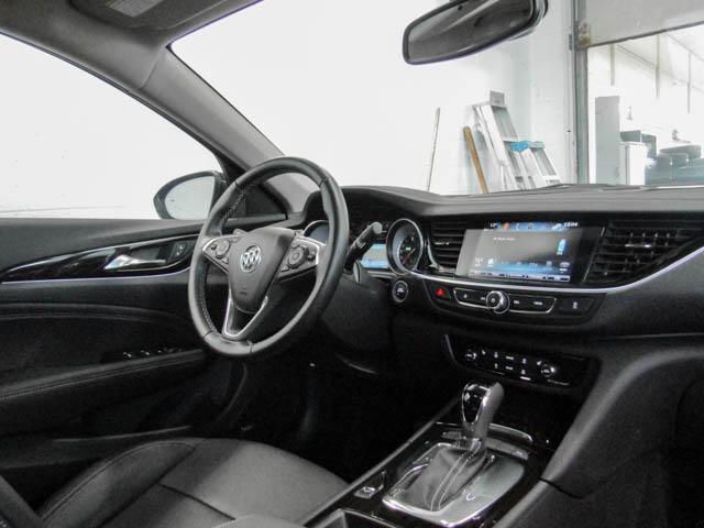 2018 Buick Regal Sportback Essence (Stk: 68-24400) in Burnaby - Image 4 of 12