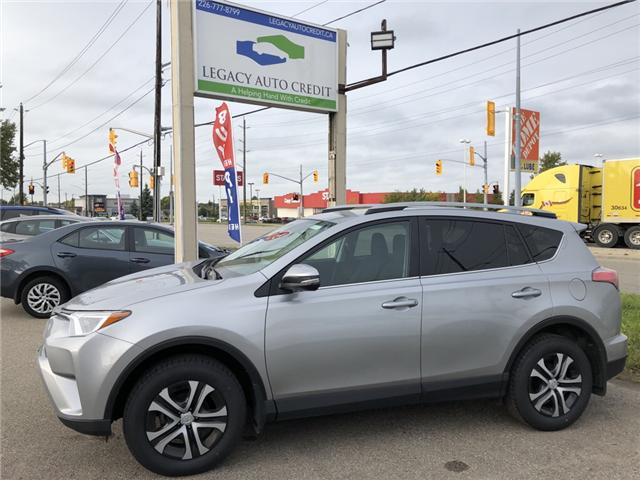 2017 Toyota RAV4 LE (Stk: L8825) in Waterloo - Image 1 of 18