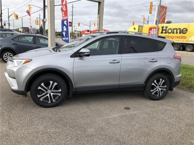 2017 Toyota RAV4 LE (Stk: L8825) in Waterloo - Image 2 of 18