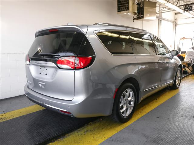 2017 Chrysler Pacifica Touring-L Plus (Stk: X-5990-0) in Burnaby - Image 2 of 24