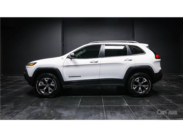 2017 Jeep Cherokee Trailhawk (Stk: CT18-590) in Kingston - Image 1 of 32