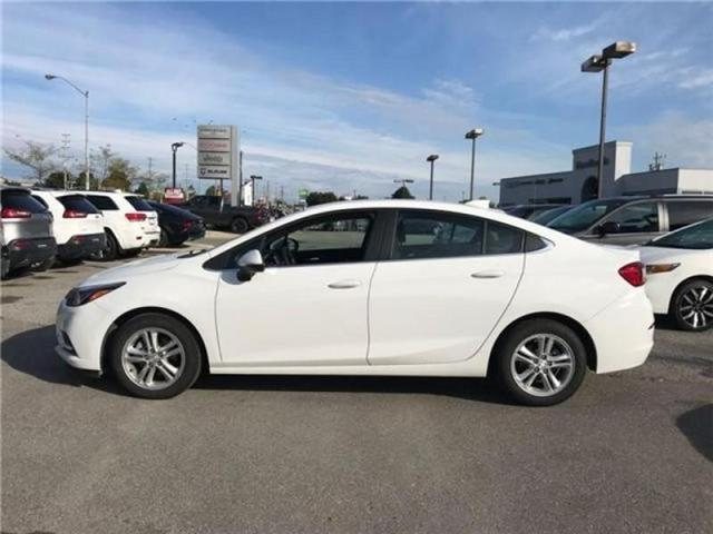 2018 Chevrolet Cruze LT Auto (Stk: 23645P) in Newmarket - Image 2 of 20