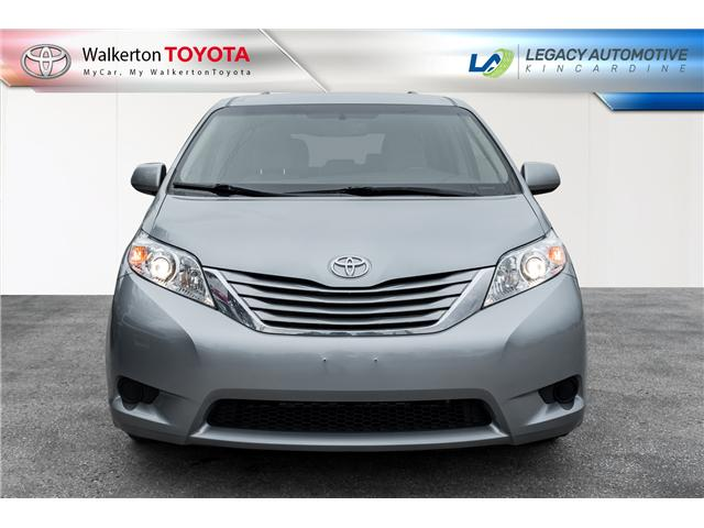 2015 Toyota Sienna LE 8 Passenger (Stk: P8166) in Walkerton - Image 2 of 23