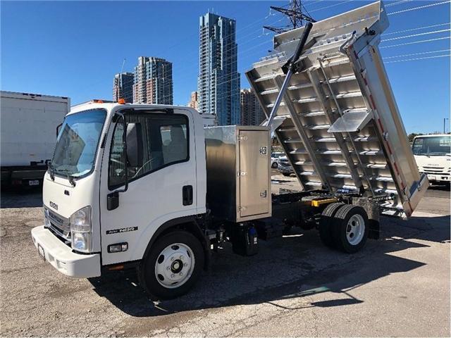 2018 Isuzu NRR Dump Truck (Stk: DTI85054) in Toronto - Image 2 of 14