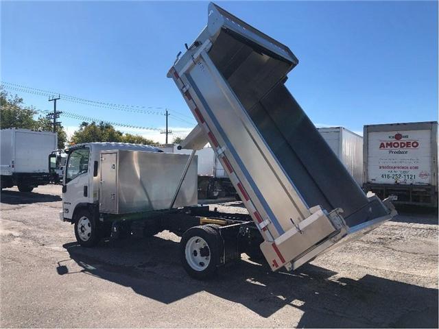 2018 Isuzu NRR Dump Truck (Stk: DTI85054) in Toronto - Image 4 of 14