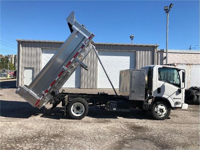 2018 Isuzu NRR Dump Truck (Stk: DTI85054) in Toronto - Image 7 of 14