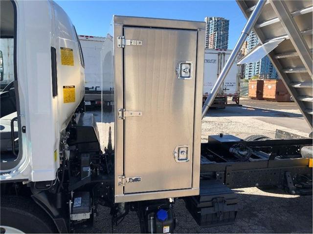 2018 Isuzu NRR Dump Truck (Stk: DTI85054) in Toronto - Image 14 of 14