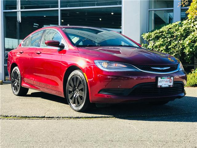 2015 Chrysler 200 LX (Stk: FN569551) in Surrey - Image 2 of 30