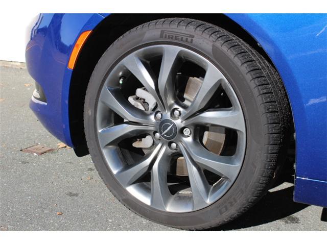 2016 Chrysler 200 S (Stk: S349305Z) in Courtenay - Image 20 of 29