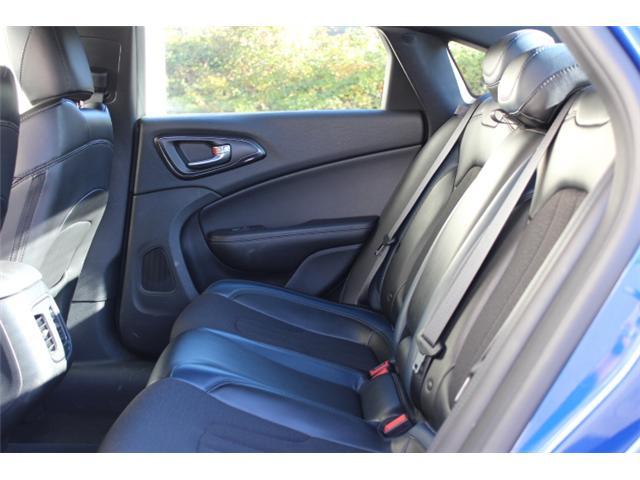 2016 Chrysler 200 S (Stk: S349305Z) in Courtenay - Image 6 of 29