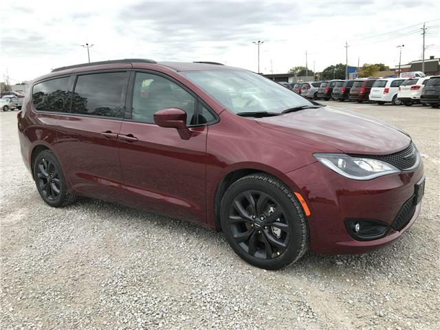 2019 Chrysler Pacifica Touring-L (Stk: 19245) in Windsor - Image 1 of 11
