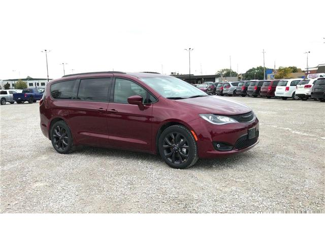 2019 Chrysler Pacifica Touring-L (Stk: 19245) in Windsor - Image 2 of 11