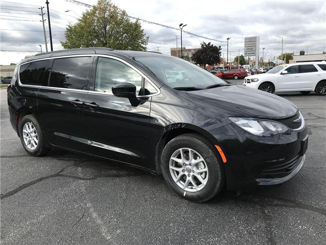 2019 Chrysler Pacifica Touring (Stk: 19283) in Windsor - Image 1 of 11