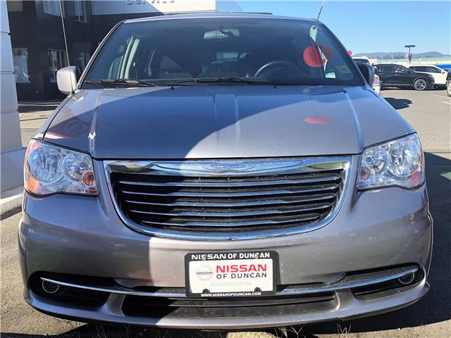 2014 Chrysler Town & Country Touring (Stk: P0019) in Duncan - Image 2 of 8
